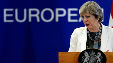 EU leaders agree to move forward in Brexit talks