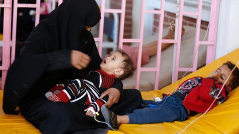 Yemeni volunteers come forward to beat cholera epidemic
