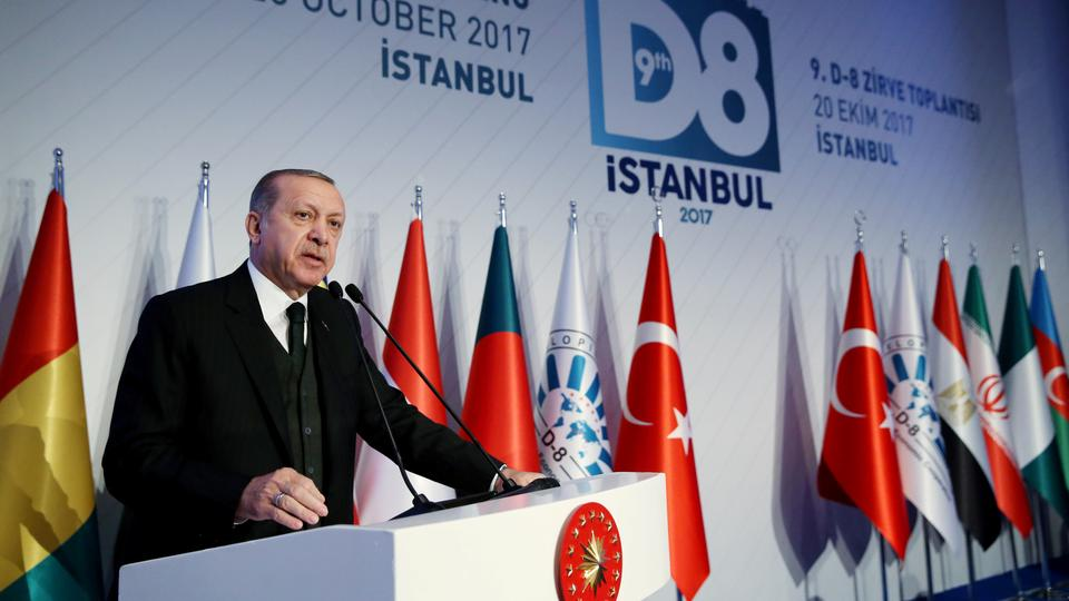 Erdogan Urges Trade in National Currencies at Istanbul D-8 Summit