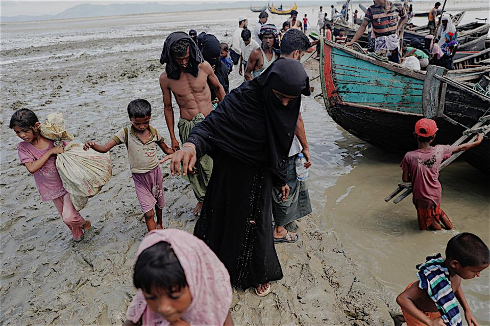 Tens of thousands of Rohingya Muslims arrived to Bangladesh from across Myanmar's border fleeing ethnic cleansing by the Myamarese army of the minority community in Rakhine state. (AP)