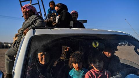 Daesh attack on displaced Syrians kills 18
