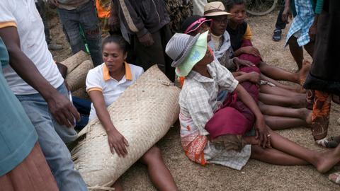 Madagascar's sacred ritual causes alert over plague contamination