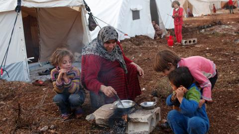 Refugees struggle with deplorable conditions at Idlib camp