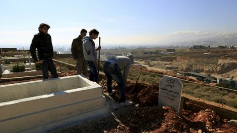 Syrian refugees find no place to bury their dead in Lebanon