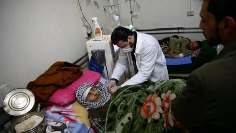 Syria's war pushes hospitals to the limit