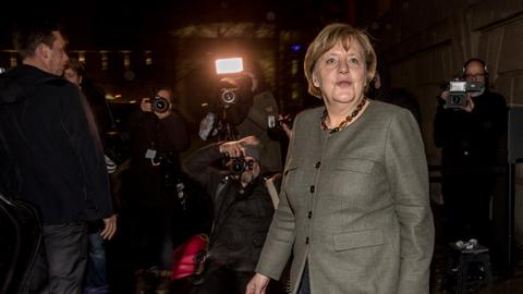 German coalition talks go into overtime