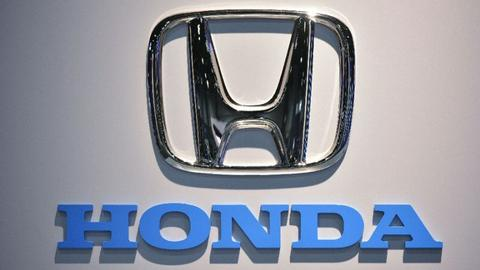 Honda recalls 800,000 minivans in US over faulty seats
