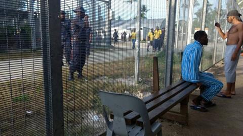 PNG police enter Manus Island camp, order asylum seekers to leave