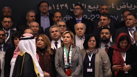 Syrian opposition groups unify ranks for Geneva talks