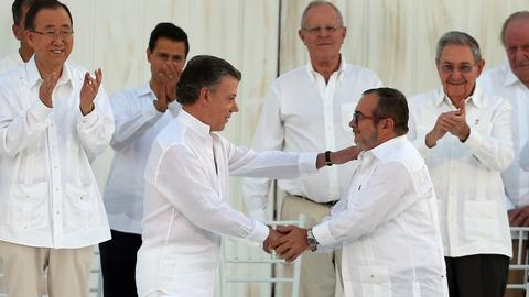 Colombian ex-presidents to back joint right-wing 2018 ticket