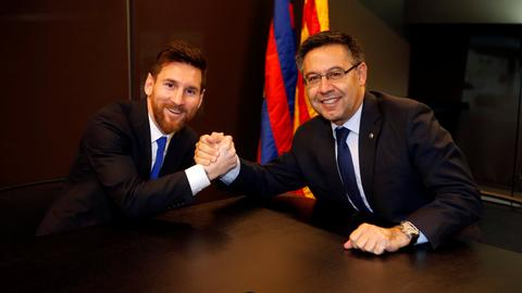 Messi signs new contract with FC Barcelona until 2021