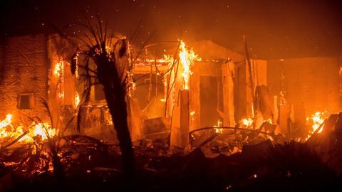 Wildfires engulf San Diego retirement communities