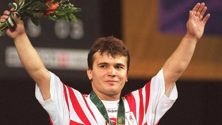 Legendary Turkish weightlifter Naim Suleymanoglu dies aged 50