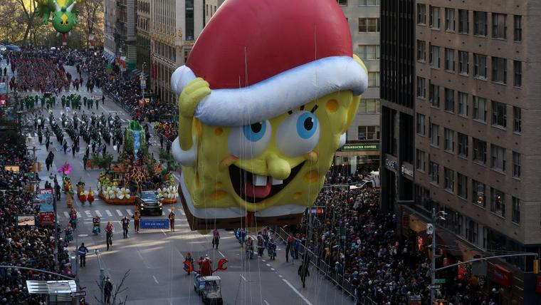New York's Thanksgiving parade revels on amid tight security