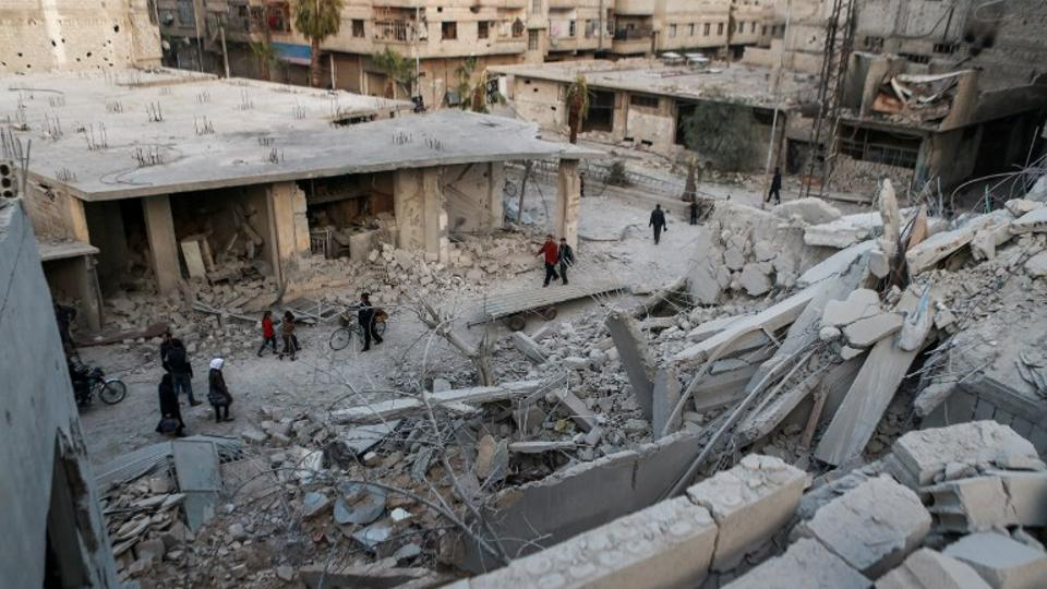 Syria regime bombing kills 23 civilians near Damascus: monitor