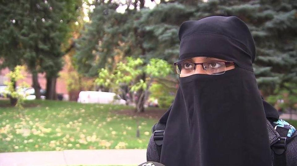 Montreal resident Fatima Ahmad invites people through Facebook to ask questions and clarify misconceptions about the niqab.